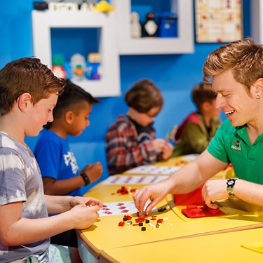 Kids in Creative Workshop | LEGOLAND Discovery Center New Jersey