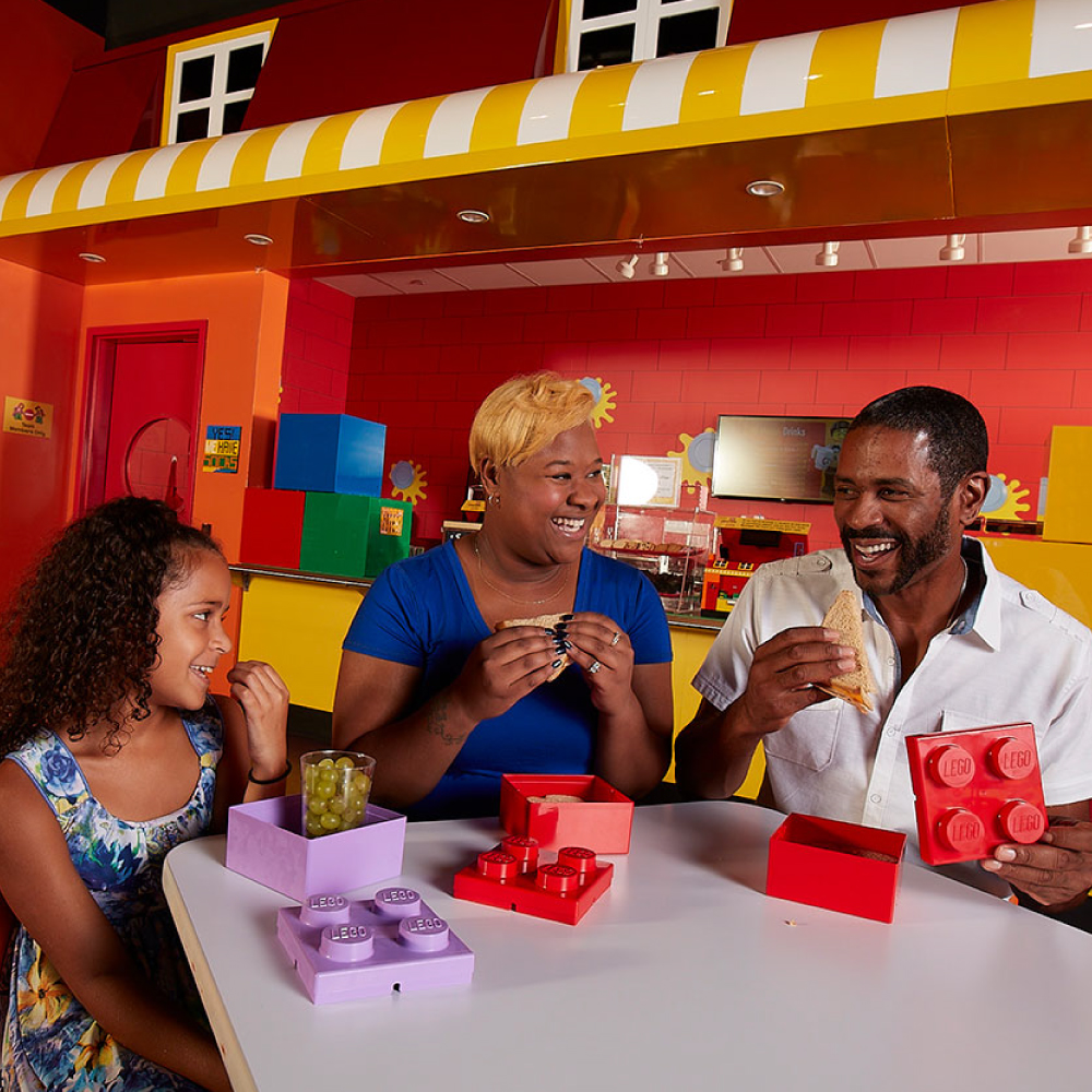 LEGO Cafe | LEGOLAND Discovery Center Chicago